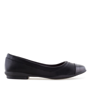 Toe Cap Flat Shoes in Black faux Leather