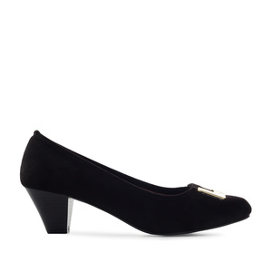 Heeled Shoes in Black Suede