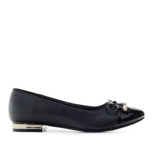 Toe-Cap Ballerinas in Black faux Leather