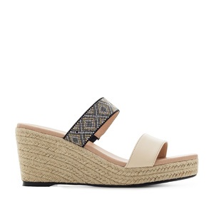 Low-wedges in Beige faux Leather