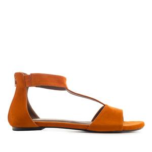 Semišové T-bar sandále. Hnědá rezavá.