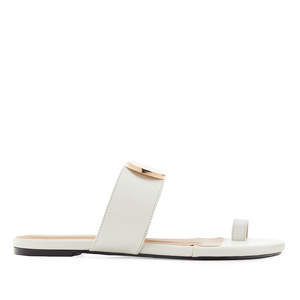 Toe-Sandals in White faux Leather