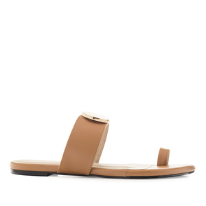 Toe-Sandals in Brown faux Leather
