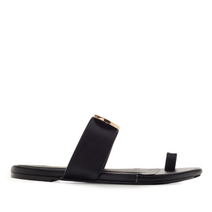 Toe-Sandals in Black faux Leather