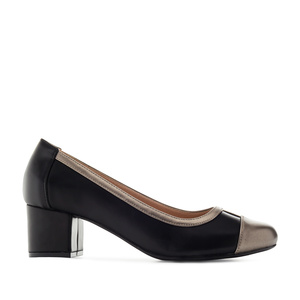 Musta värvi kingad