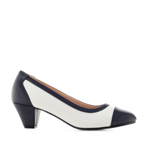 Bicolor Heeled Shoes in White & Navy