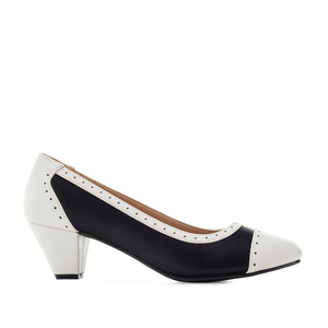 Bicolor Heeled Shoes in Black & White