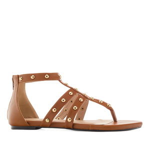 Páskové sandále Romanas s cvočky. Hnědé.