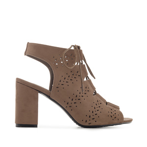 Ankle Sandals in Earth-coloured Suede