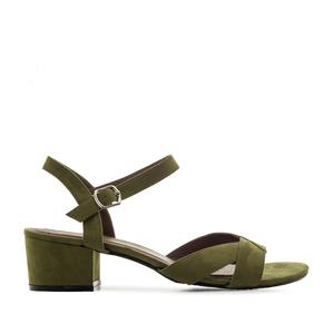 Oliivin vihreä nilkkaremmi sandaali.