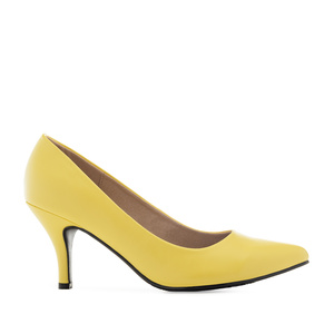 Mid-Heel Stilettos in Yellow faux Leather