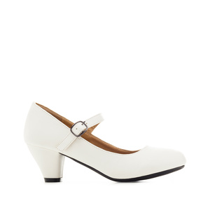 Mary Janes in White faux Leather with a wide heel for little girls