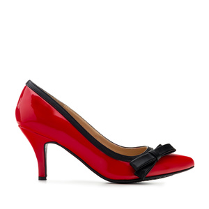Bow Tie Heeled Shoes in Red Patent