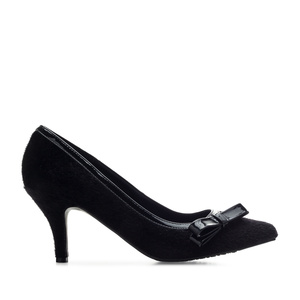 Bow Tie Heeled Shoes in Black Fur