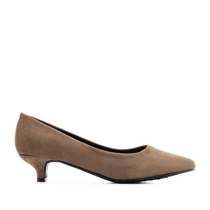 Kitten Heeled Shoes in Earth-coloured Suede