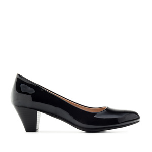 Heeled Shoes in Black Patent