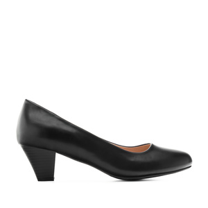 Heeled Shoes in Black faux Leather