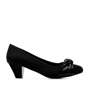Knot Heeled Shoes in Black Suede
