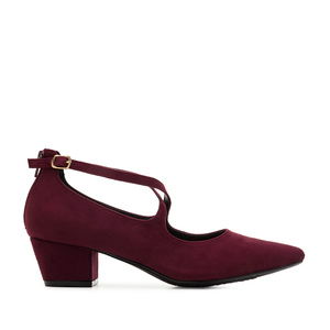 Criss-Cross Shoes in Burgundy Suede
