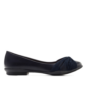 Ballerinas in Soft-Marineblau mit gerefftem Band