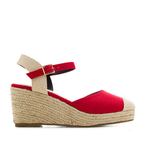 Toe-Cap Wedges in Red Canvas