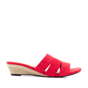 Low-Heeled Espadrille Sandals in Red Suede