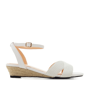 Low-Heeled Wedge Sandals in White faux Leather