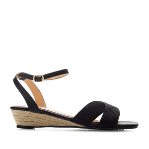Low-Heeled Wedge Sandals in Black faux Leather