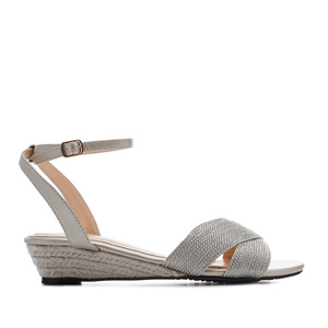 Low-Heeled Wedge Sandals in Silver faux Leather