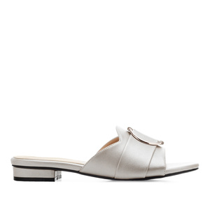 Ring Flat Sandals in Silver faux Leather