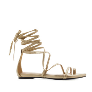 Römersandalen in Soft-Gold