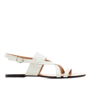 Flat Sandals in White faux Leather