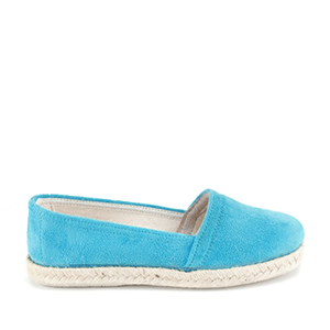 Beach Shoes in Ante Blue.
