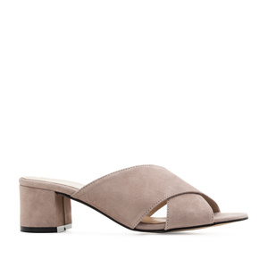 Crossover Mules in Nude Suede Leather