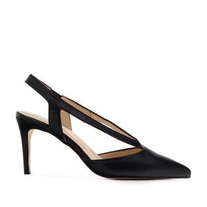 Špicaste sandale od prevrnute kože, crne