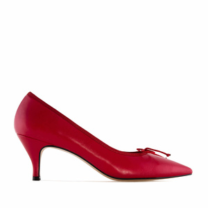 Fine Tip Red Leather Heeled Shoes