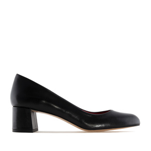 Black Leather Heeled Shoes