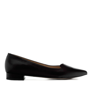 Fine Tip Ballet Flats in Black Leather