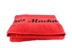 Toalla Grande Roja Firma Andrés Machado.