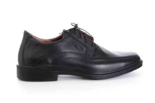 Zapatos de vestir Negro en Piel con cordones.
