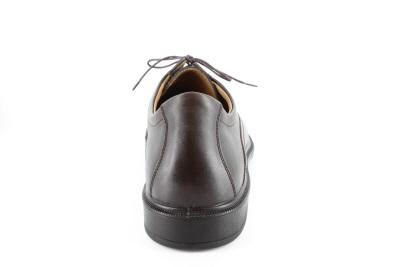 Zapatos de vestir Marrón en Piel con cordones.