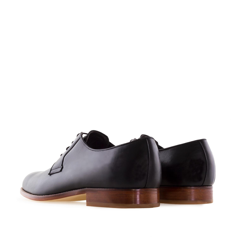 Zapato de Piel color Negro