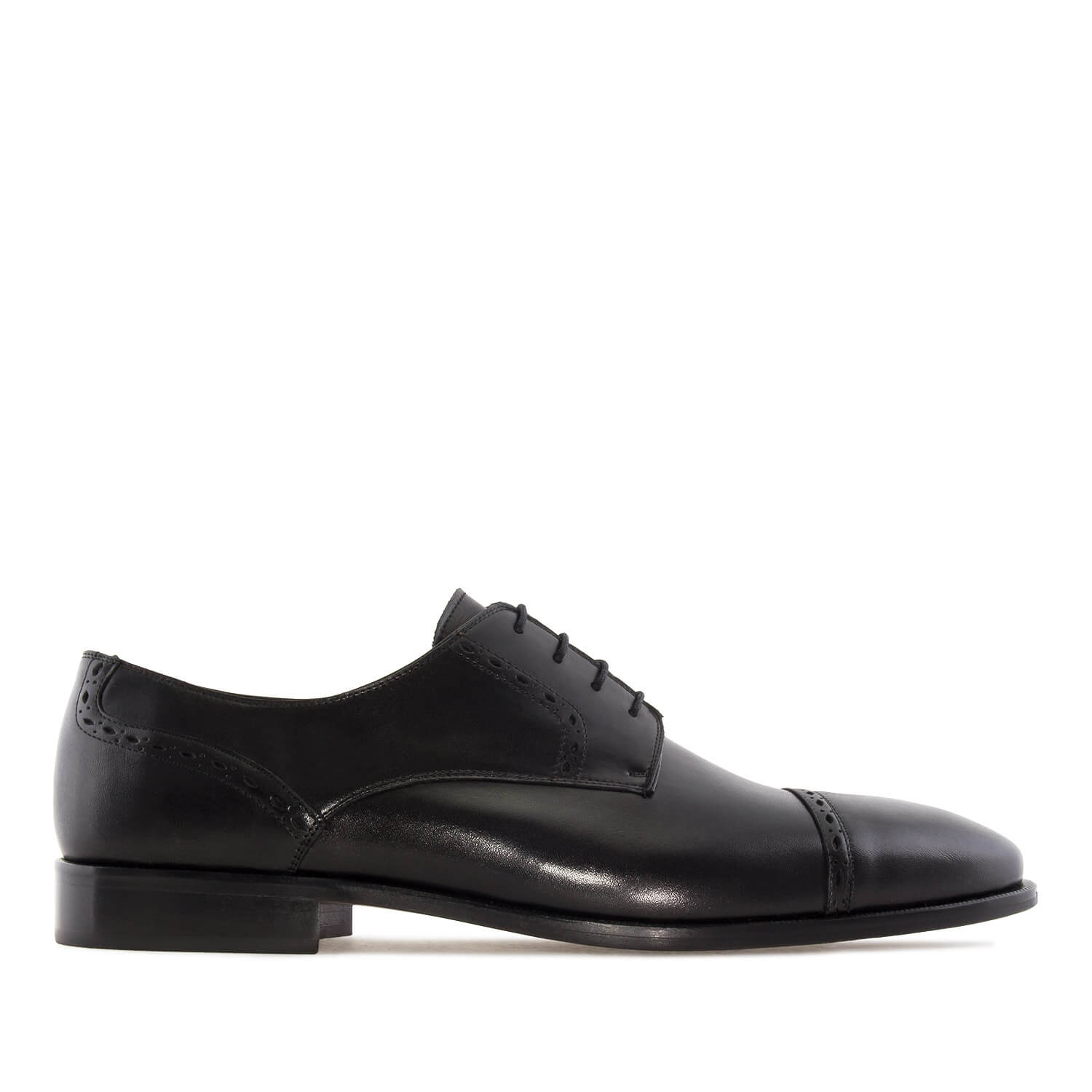 Lace-up Shoes in Black Leather