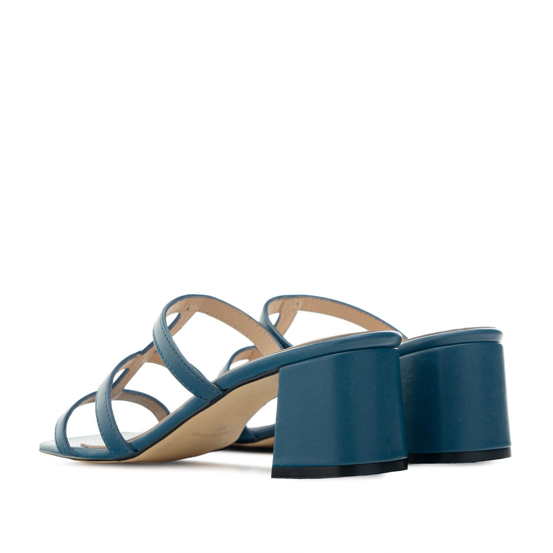 Sandalias con tacón en piel de color Azul