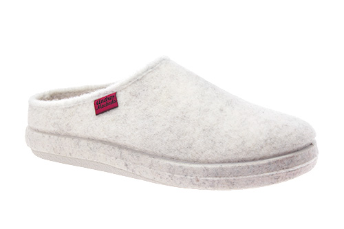 Módní bílé bačkory- pantofle. Materiál jemná plsť.