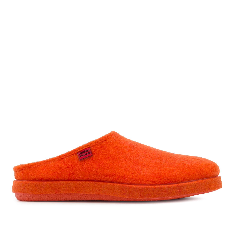 Módní oranžové bačkory- pantofle. Materiál jemná plsť.