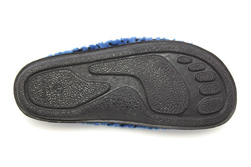 Módní bačkory- pantofle Alpino. Materiál jemná vlna. Černá a modrá.