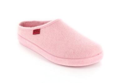 Módní růžové bačkory- pantofle. Materiál jemná plsť.