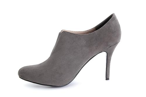 Zapatos Abotinados en Ante Gris.