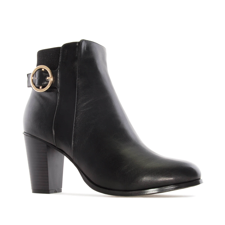 Čizme do članka sa ukrasnom šnalom, crne